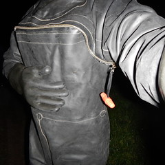 Aquala5102 (Kanalgummi) Tags: rubber gloves worker exploration sewer drysuit kanalarbeiter gummihandschuhe gummianzug égoutier trockenanzug