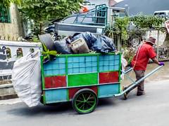 Menarik gerobak sampah (hastuwi) Tags: flickrfriday kindnessofothers serbaserbi kuat perkasa strong steadfast tough hardy