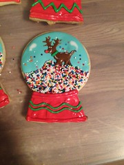 Snow Globe Cookies (cakemamapfc) Tags: cookies cake snowglobe gingerbreadmen