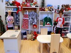 The Crafty Rat - Ready to Shop! (rata-tat-tat) Tags: dolldiorama barbiediorama barbiepivotal