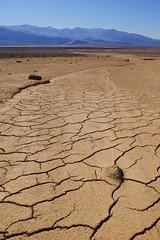 (Pelechess) Tags: crack deathvalley desert fuji furnacecreek nature pelechess sand xt10