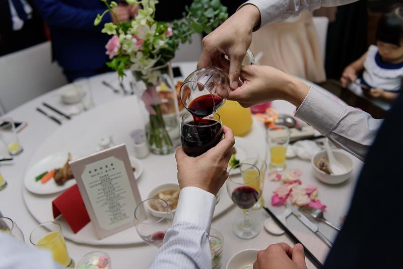 國賓婚攝,台北國賓,國賓飯店婚宴,新秘Miko ,婚攝小勇,台北婚攝, 愛瑞思新娘秘書造型團隊,西敏英國手工婚紗,小寶工作室-069