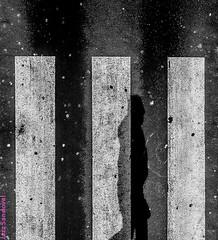 Geometria de barras. Arrecife, enero 2009. (Jazz Sandoval) Tags: 2009 elfumador espaa expresin exterior enlacalle expression equilibrio arrecife blancoynegro bsquedas bn bw bsqueda blanco canarias contraste calle curiosidad direccin desastre derechoshumanos fotografadecalle fotodecalle fotografacallejera fotosdecalle geometra grfico geometras islascanarias ilustracin intriga jazzsandoval kaos lanzarote luz monocromtica moncromo movimiento moving negro nero onrico paisaje people streetphotography sombras streetphoto texturas textura tcnica humanos suelo