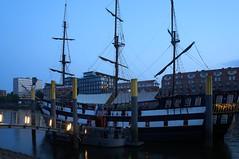 Pannekoekschip (fototraber) Tags: schiff dämmerung bremen pannekoekship bremencity abenddämmerung centrum mitte stadt dawn weser bremenschlachte schlachte