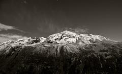 schneegestber in den tztaler alpen (joachim.d.) Tags: timmelsjoch hochgurgl tirol alps alpen snow schnee schneegestber schneetreiben wind sw berge hochgebirge europa europe baumgrenze moon