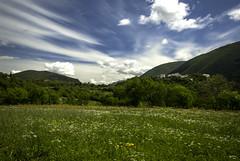 Paterno, Vallo di Nera (Umbria, Italy) (simone_aramini) Tags: nikond200 naturallight nikon ngc nationalgeografic nature valnerina lucinaturali lavalnerina landscape landscapes paesaggi paesaggio mountain montagna cloudy colori campagna rural ruralphotography outdoor umbria umbrialandscapes