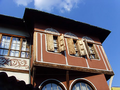 Old Plovdiv, Bulgaria - National Revival period architecture (johnnysenough) Tags: 62 oldplovdiv nationalrevivalperiodarchitecture plovdiv bulgaria bălgarija bulgarie bulgarien centraleurope пловдив 18th19thcentury balkanarchitecture historical travel vacation 100citiesx1trip snv37794