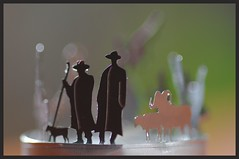 Hirten auf dem (Teelicht) Feld ( eulenbilder - berti ) Tags: krippe weihnachten figuren mini macro teelicht