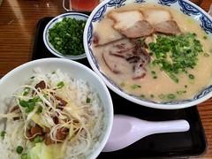 Ramen and Char siu rice bowl from Yoshimaru @ Tameike Sannno (Fuyuhiko) Tags:    ramen char siu rice bowl from     pork broth pig bone tameike sannno  tokyotokyo tkyo tokyo