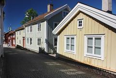 IMG_7943-1 (Andre56154) Tags: schweden sweden sverige haus gebude house building holzhaus stadt city strasse street town eksj himmel sky