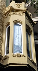 Barcelona - Valncia 213 b 2a (Arnim Schulz) Tags: modernisme barcelona artnouveau stilefloreale jugendstil catalua catalunya catalonia katalonien arquitectura architecture architektur spanien spain espagne espaa espanya belleepoque window fenster ventana finestra fentre art arte kunst baukunst modernismo gaud liberty