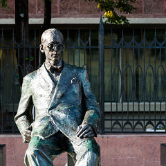 Le Corbusier monument (Vasily Baburov) Tags: architecture moscow modernism lecorbusier modernarchitecture corbusier  pierrejeanneret tsentrosoyuz centrosoyuz   tsentrosoyuzbuilding charlesdouardjeanneret  nikolaikolli