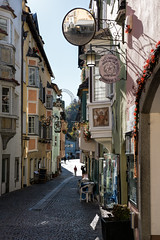 Enge Gasse - Klausen, Südtirol (Ernst_P.) Tags: chiusa ita italien klausen südtirol trentinoaltoadige sigma 1835mm f18