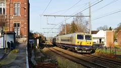 NMBS HVR 50 88 81-78 047-4 +  HLE 2706   Herstal (Tren di Belgica) Tags: new look belgium belgi m4 pilote nmbs zonnig adx herstal bocht sncb stuurstand stuurrijtuig 508881780474