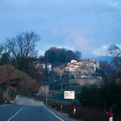 Pena Alta at dusk, after a thick fog has cleared (yhrtsai) Tags: valdarno tuscana penaalta