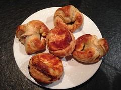 Croissants au jambon et sales au fromage (Creusaz) Tags: croissants croissant jambon sales sale fromage