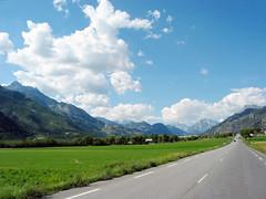 Le long de la route (maxguitare1) Tags: montagne mountain montagna montaa france canon route carretera strada road