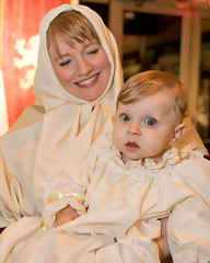 Melissa Goosen and Ellie in costume and prepared to enter and meet the Queen (Tom Fowler LJTX) Tags: elizabethanmadrigalfeast emf brazosportcenterfortheartsandsciences holyfamily ellie melissagoosen costumes emf2016