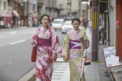 Chinese Kimono Girls In Kyoto () Tags: kyoto kimono girls women street nikon japan d800 85mm 18