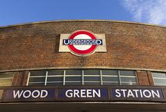 Wood Green station, High Road, N22 (Tetramesh) Tags: tetramesh london england britain greatbritain gb unitedkingdom uk tfl londontransport transportforlondon londonunderground lu tube thetube metro
