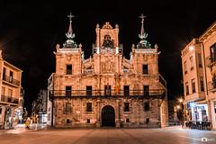 Astorga_03 (keudell) Tags: roja astorga león españa ciudades gaudí