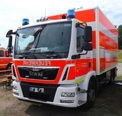MAN TGM 15.290 - GW Nachschub (michaelausdetmold) Tags: man tgm lkw truck einsatz blaulicht fahrzeug feuerwehr fw bf dsseldorf nrw gertewagen