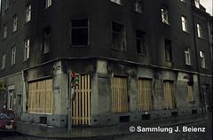Mnchen 03-1971 Brand Gaststtte Leonhard- Ecke Kirchenstrasse (Pacific11) Tags: mnchen munich 1970 1971 vintage alt selten bilder bayern haus brand feuer gaststtte lokal kneipe steinstrasse