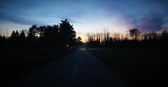 La strada (Massimo Caccia) Tags: tramonto crepuscolo night notte strada campagna