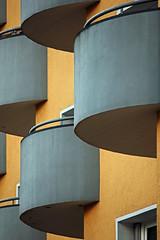 Balkons (01) (Rüdiger Stehn) Tags: germany 2015 2000er 2000s mitteleuropa europa deutschland norddeutschland schleswigholstein kielravensberg bauwerk profanbau stadt fassade haus gebäude canoneos550d kiel