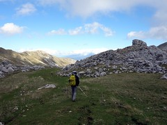 """Descending into Valle Pagano • <a style=""""font-size:0.8em;"""" href=""""http://www.flickr.com/photos/41849531@N04/22096591648/"""" target=""""_blank"""">View on Flickr</a>"""