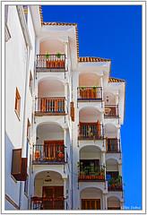 Comme un escalier (GilDays) Tags: blue espaa white house window architecture facade sevilla spain nikon balcony seville andalucia bleu espana andalusia maison balcon espagne fentre blanc sville faade andalousie d810 nikond810 anda0915