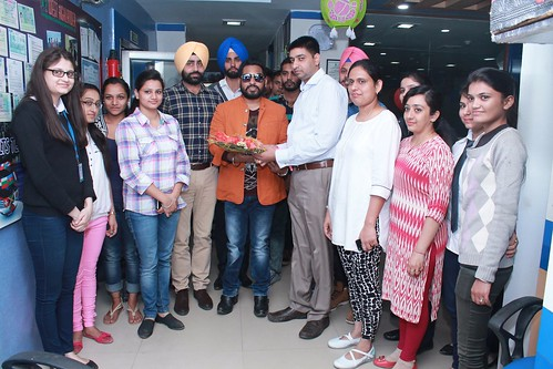 Famous Bollywood singer Alamgir Khan associates with LinguaSoft Edutech Chandigarh