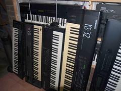LP158672 (LoxPix2) Tags: boss music studio guitar fender synth roland korg yamaha emu gibson akai novation alesis kawai maudio behringer kurzweil teisco ensoniq tapco rogerlinn loxpix