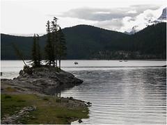 Lake Minnewanka in Banff-National-Park-(95) (F. Ovies) Tags: canada montaas rocosas