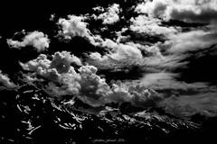 Ferie des Tnbres sur les Cimes (N/B) (Frdric Fossard) Tags: surraliste art abstrait luminance texture tourmente atmosphre ambiance dramatique montagne paysage nature glacier alpes hautesavoie massifdumontblanc glacierdutour neige contraste lumire ombre fondnoir