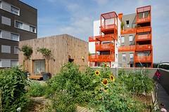 Эко-квартал The Docks в пригороде Парижа