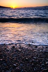 A la orilla del atardecer (Pirata Larios) Tags: oleaje 60d cielo carloslarios ceuta 2015 ola costa julio sol canon atardecer espaa playa