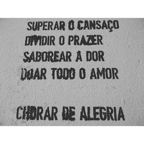 Word on the street.   #igersportugal #lovestory #leiria #wordonthestreet #igersoftheday #igersleiria #preguicamagazine #vsco #vscocamphotos #vscogood #vscogram #vscocam #portugal #palavrasnarua