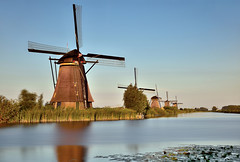 Kinderdijk (Sizun Eye) Tags: windmill kinderdijk unesco world heritage canal netherlands paysbas paysage landscape le longexposure poselongue leefilters leebigstopper leegnd06hard nikond750 tamron2470mmf28 sizuneye