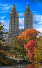 #bowbridge #Autumn  #fall #centralpark #manhattan #newyork (lelobnu) Tags: newyork bowbridge autumn fall centralpark manhattan