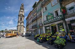Oporto - Casa Oriental (Juan Ig. Llana) Tags: portugal arquitectura edificios torre iglesia oporto tranvía frutería vías torredelosclerigos