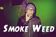 smoke weed (fattanal) Tags: street boy house verde green weed smoke ragazzo