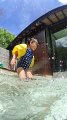 Waterplay (jw_heo) Tags: ocean africa travel family blue portrait sky nature water swim photoshop island paradise underwater sony indianocean wide wideangle korea snap resort swimmingpool korean fourseasons seychelles splash hdr waterplay petite waterproof lightroom anse actioncam petiteanse as100v