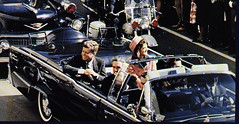 John F. Kennedy with his wife in the presidential limousine, some seconds before the assassination (Historystack) Tags: dallas unitedstates contemporary northamerica government 1960s 20thcentury presidents johnfkennedy murders deaths leeharveyoswald presidentsofusa lyndonbjohnson november22 year1963 assassinates historyofunitedstates assassinationofjohnfkennedy listofpresidentsoftheunitedstates