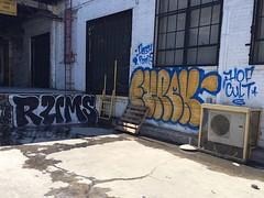 RUMS EYREK (UTap0ut) Tags: california art cali graffiti la los paint angeles socal cal cult mta graff hof rums eyrek utapout