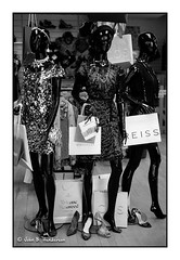 Handbags and Gladrags (jbhthescots) Tags: glasgow leicam3 ilfordfp4125 bwyellowfilter vuescan sekonicl308s plustek7600i ilfosol3114730min 250mmsummicronv5