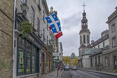 Rue Buade (fotofrysk) Tags: street autumn fall church quebec roadtrip flags quebeccity fleurdelis notredamecathedral souvenirshops easterncanadatrip dsc3885 nikond7100 october2015 ruebouade