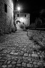 Grottammare - Scorcio 03 (Promix The One) Tags: blackandwhite bw bn via mura arco marche biancoenero scorcio lampione notturno antichit medioevale mattoni canoneos1dsmarkii paesevecchio grottammareap vecchioincasato sigma1530f3545exdgaspherical