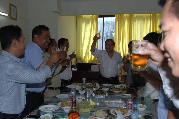 រដ្ឋមន្ត្រីក្រសួងព័ត៌មាន ឆ្លងឆ្នាំសកល ជាមួយនឹងថ្នាក់ដឹកនាំ និងមន្ត្រី AKP