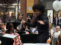 Ulster Orchestra at Victoria Square #ulsterorchestra50 (John D McDonald) Tags: victoriasquare victoriasquarebelfast belfastvictoriasquare victoriasquareshoppingcentre shoppingcentre shoppingmall mall payere rafaelpayere conductor belfast northernireland ni ulster geotagged ulsterorchestra uo ulsterorchestra50 musicians music professionalmusicians iphone iphone6